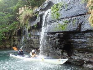 水落の滝で滝浴び