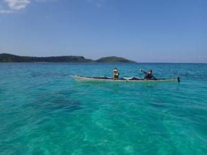 イダの浜の青い海