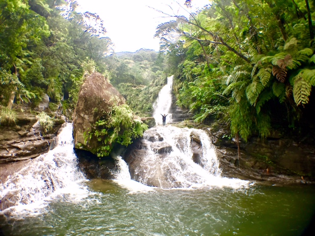 ナーラの滝、遠景