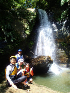美しいナーラ秘境の滝
