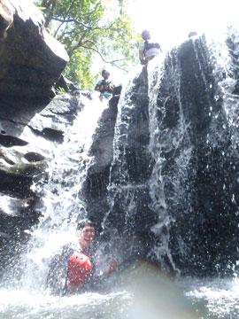 大見謝の滝キャニオニング