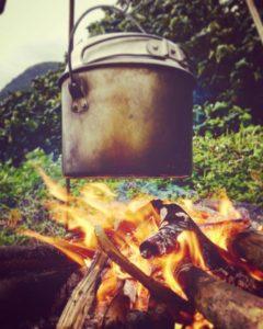 西表島の冬には焚火ツアー