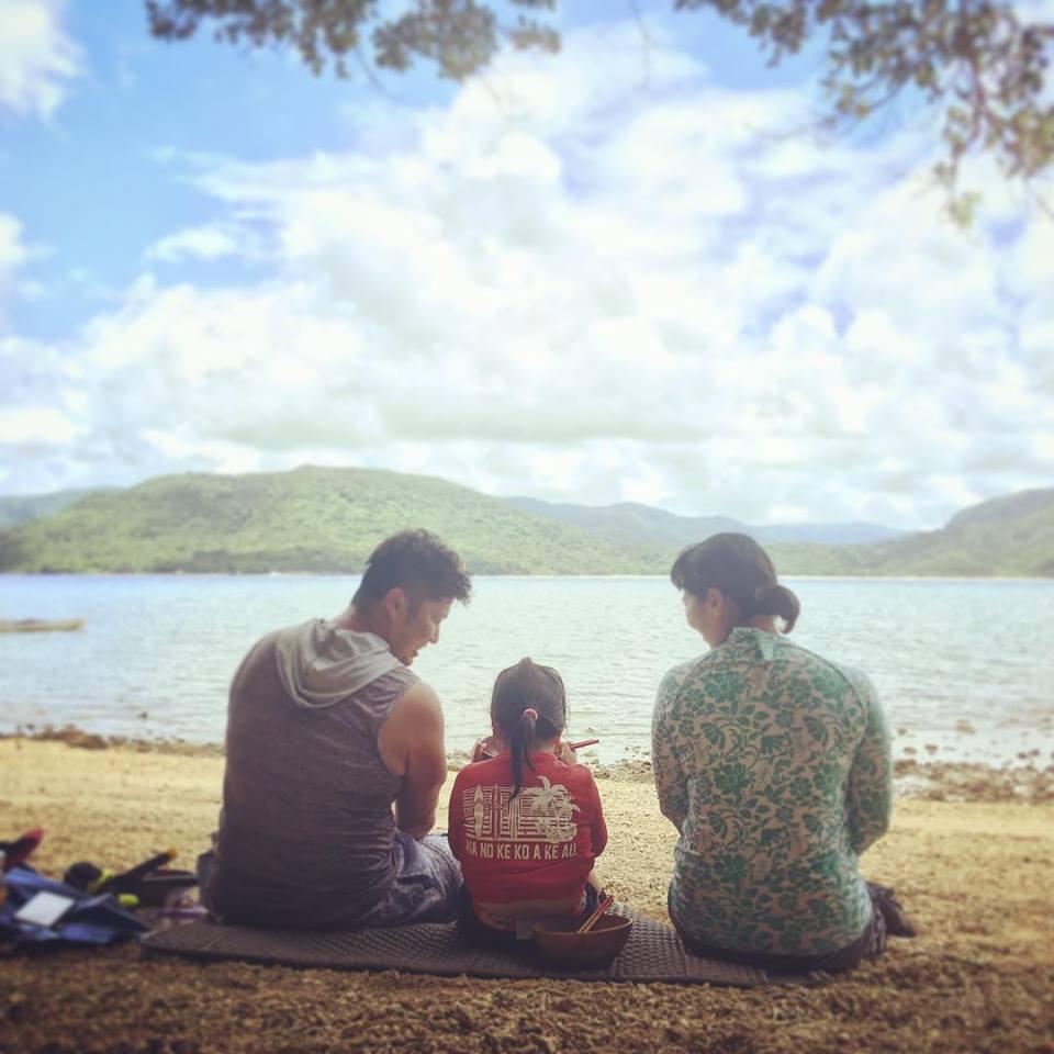 西表島の家族の肖像