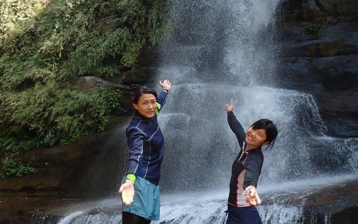 気持ちイイ春のナーラの滝